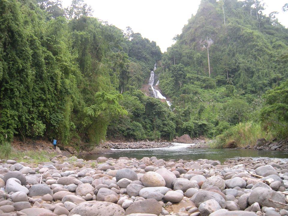 kagalaw-an-falls-2